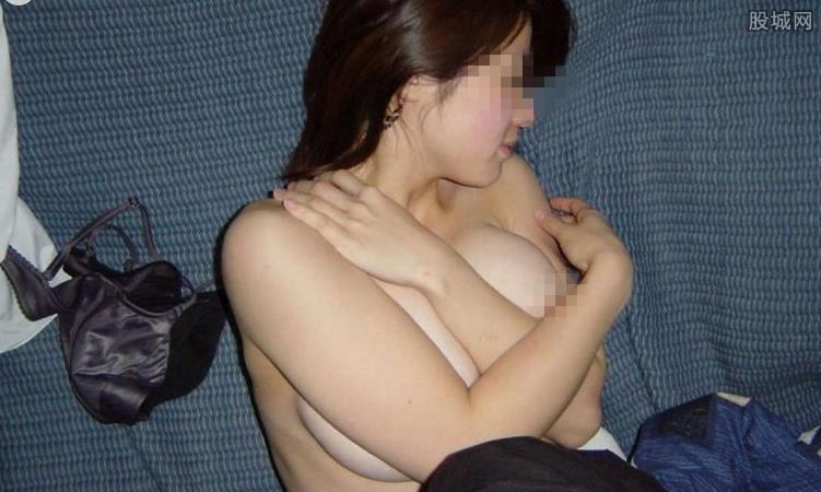 出租屋裸睡遭强奸